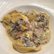 Tortelloni mit Radicchio Spek und Scamorza-Käse