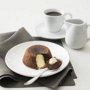 black and white soufflè