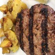Hamburger di manzo alla piastra