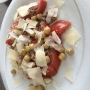 Insalatona ceci Pomodori e tonno