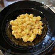 Gnocchi con mazzancolle, zucchine e olio tartufato.